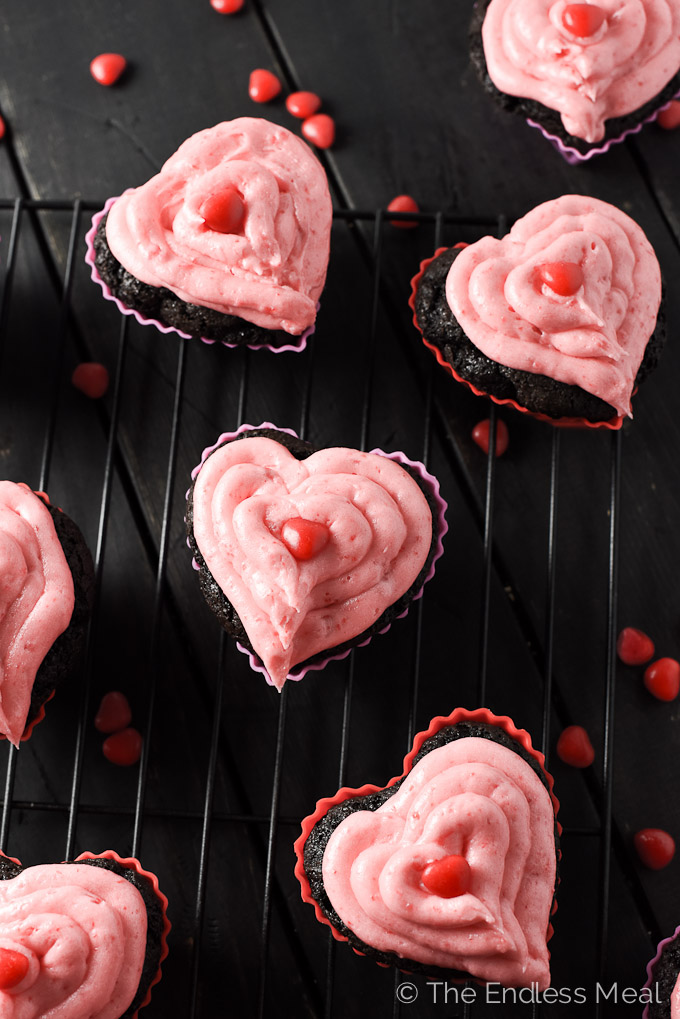 Dark Chocolate and Cinnamon Hearts Valentine's Day Cupcakes | theendlessmeal.com