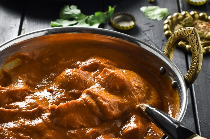 This Easy Butter Chicken recipe can be made in 35 minutes and is SUPER delicious. It's rich, creamy and addictive and is very easy to make dairy-free. No more need for take out Indian curry! | theendlessmeal.com