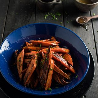 Spicy Honey Roasted Carrots | theendlessmeal.com