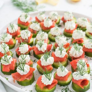 Mini Cucumber Smoked Salmon Appetizer Bites with Lemon Dill Cream Cheese | theendlessmeal.com