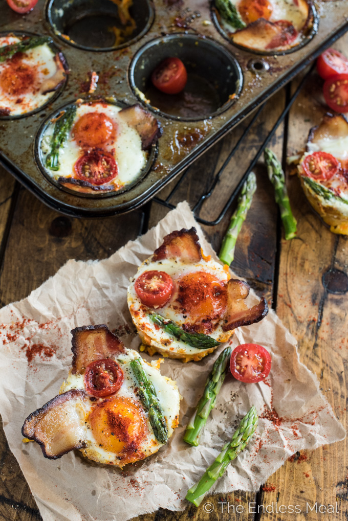 Bacon and Egg Cups can be made ahead and are a great grab and go breakfast for busy weekday mornings. They're also pretty enough to serve for a special weekend brunch and are naturally paleo and gluten-free. | theendlessmeal.com