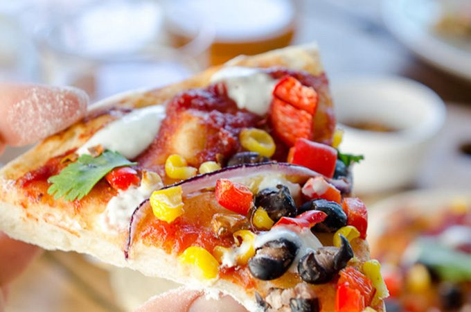 Healthy Southwest Pizza | theendlessmeal.com